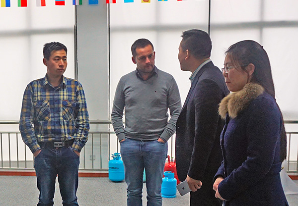 Spain clients visit SEFIC (2)